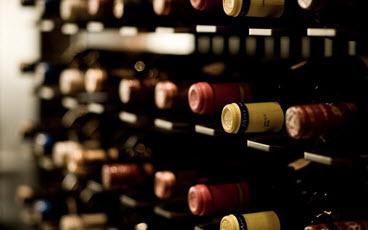 Rượu Vang Có Tuổi Thọ Bao Lâu?